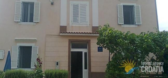 Kuća S