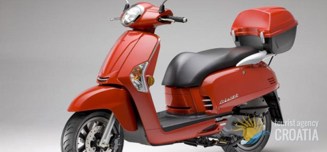 Rent-a-scooter Vespa red Like 50 cc