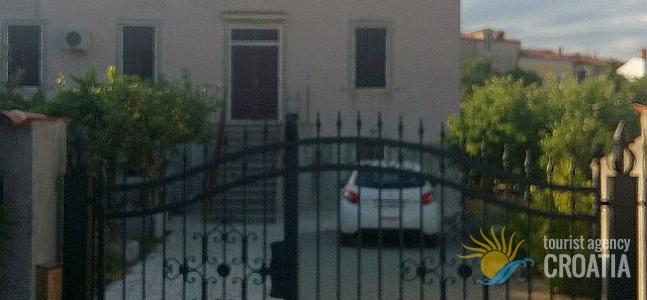 Kuća Lungomare H