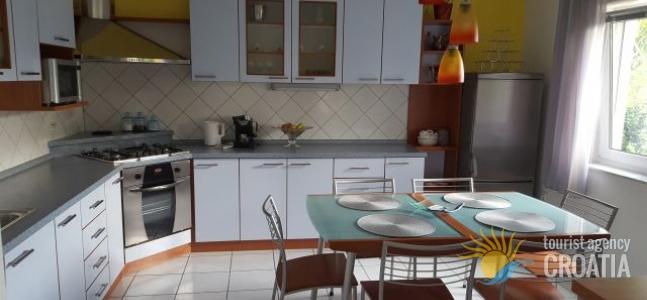 Apartman Sandra Grabar 1/2 +2 pp
