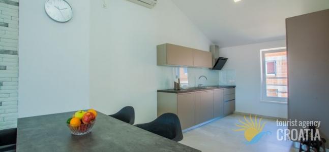 Apartment Grabar br.3_2/2+2pp