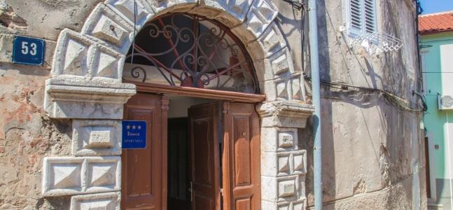 Casa Laki